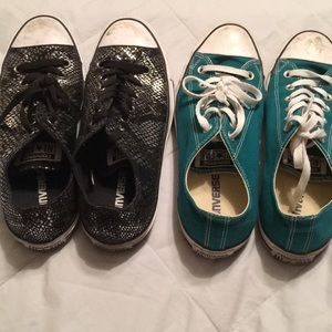 2 pairs converse EUC teal and silver snake